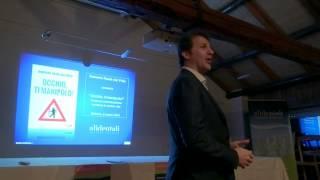 preview picture of video 'Presentazione del libro Occhio, ti manipolo di Roberto Rasia a Belluno'