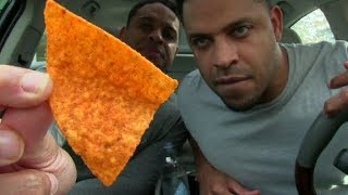 EATING THE HOTTEST CHIP IN THE WORLD | PAQUI HAUNTED CHOST PEPPER CHIPS | @HODGETWINS