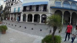 In2travel en Plaza de Armas de La Habana, Cuba