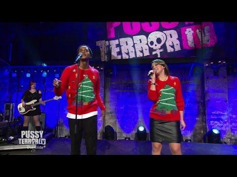 Weihnachtssong Medley mit Carolin Kebekus und Teddy - PussyTerror TV