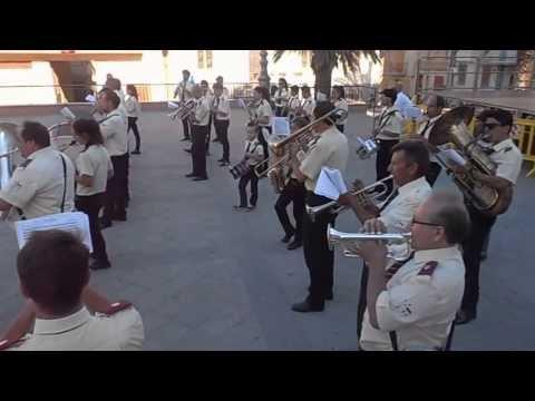 Sciara,la danda musicale si esibisce prima della processione