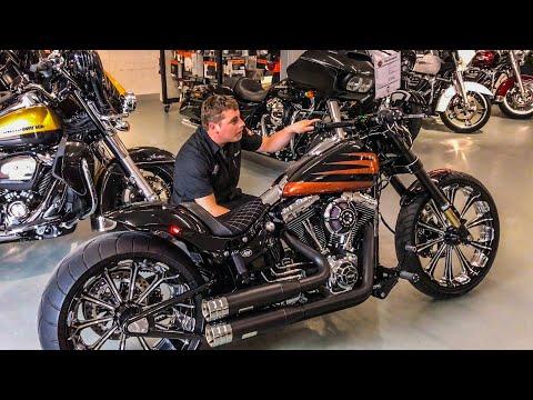 Harley-Davidson Breakout 300-Tire Customized by Arni Harley