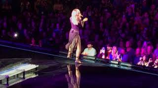 """Faith Hill singing """"Love the Way You Love Me"""" live at Wells Fargo Center August 18, 2017"""