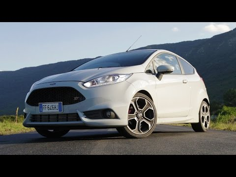 Ford Fiesta ST 200 - Davide Cironi Drive Experience (ENG.SUBS)