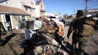 preview picture of video 'RAW Video - Marines Help Residents of Staten Island'
