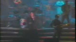 Crashed into love live Madrid 1990