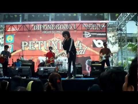 Panah Asmara (cover) - Strain of Voice (S.O.V) @ Petunia IV SMA Diponegoro