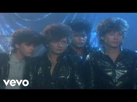 Romantics - Talking In Your Sleep video