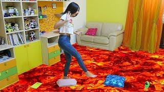 IL PAVIMENTO È LAVA - The Floor Is Lava Challenge (ITA)