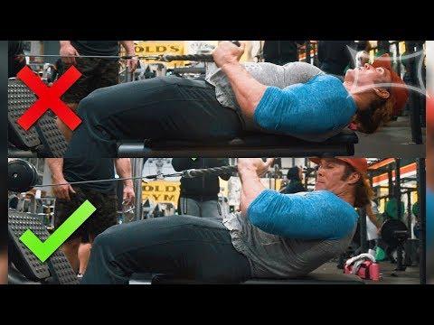 Gonfler les muscles des haltères de 8 kg