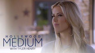 Christina El Moussa's Grandma Supports Her From Beyond | Hollywood Medium with Tyler Henry | E!