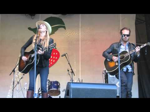 "Holly Williams ""I Want You"" - Strawberry Music Festival 5/23/13 HD"