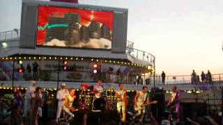 "2 Skinnee J's - ""Loud Neighbors"" LIVE!!! - 311 Cruise 2012"