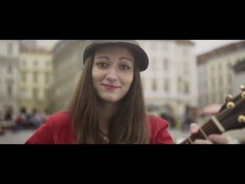 Petra Göbelová - Petra Göbelová - Normální žena (oficiální videoklip)