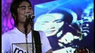 ST 12 - RASA YANG TERTINGGAL (Live) In Yogjakarta.flv