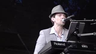 Wild Side of Life by Jim Cregan & Co live at Cropredy Festival 2018