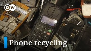 Recycling: Old cell phones are a gold mine | DW English