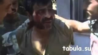 Пленный террорист в руках сирийских спецназовцев