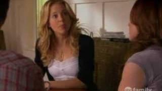 Hilary joue la psy avec Lori et Declan
