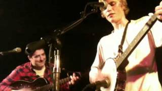 Johnny Flynn & Marcus Mumford - Eyeless in Holloway