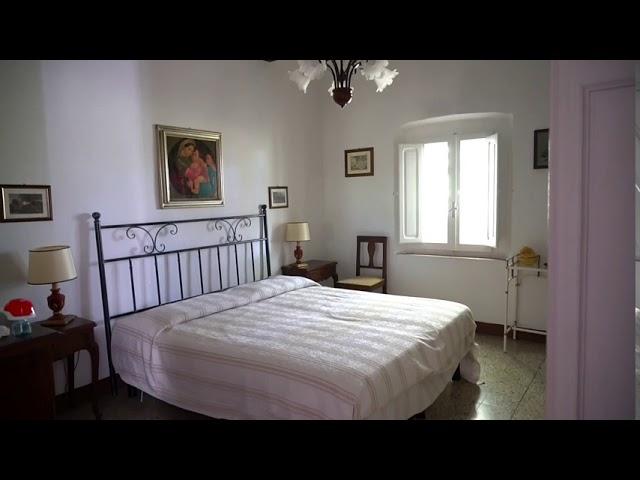 Casale in Toscana con Terreno Vista Mare a Guardistallo