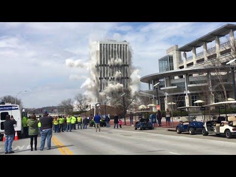 Впечатляющее зрелище: подрыв 100-метрового здания в Кентукки