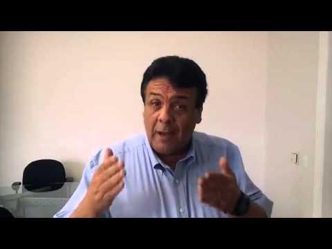 Em vídeo, o prefeito Fernando Fernandes desmente a reutilização de seringas na UPA Akira Tada.