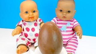 ЗАБЫТОЕ ЯЙЦО #КИНДЕР СЮРПРИЗ МАКСИ Куклы Пупсики Открывают Шоколадное Яйцо Играем Как Мама