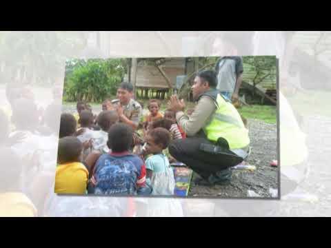 Binmas Noken Polisi Pi Ajar Anak-anak Desa Keyke Cara Berhitung