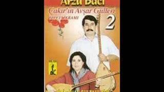 Gül Ahmet Ve Arzu Baci -  Iki Cihan Sultani Kim