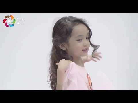 Mẫu nhí Chu Diệp Anh chụp ảnh thời trang tại YCN STUDIO