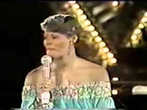 Dionne Warwick   No Night So Long Monte Carlo Show 1980 www.leecadeirante.com.br/
