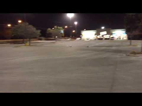 TLR 8ight buggy/novarossi  21 vs Traxxas REVO (os18tz