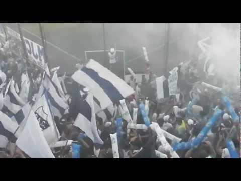 """Indios Kilmes - Entrada vs Santiago Wanderers"" Barra: Indios Kilmes • Club: Quilmes • País: Argentina"