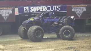 preview picture of video '2013 MonsterJam - Predator Freestyle at Hampton Coliseum'