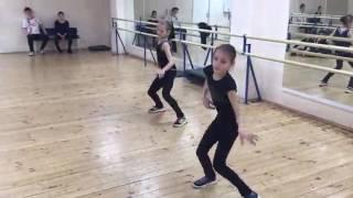 Anna Shcherbakova (RUS) & Alexandra Trusova (RUS) - Dance Practice with Alexei Zheleznyakov