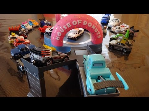 Disney Cars Toons Tokyo Mater House Of Donuts Track Playset - Tokyo Drift