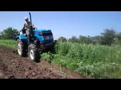 Китайський міні-трактор Синтай 244 з плугом(xingtai with plow)