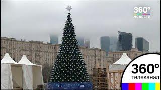 В Москву доставили лед для ледяных скульптур на Поклонной горе