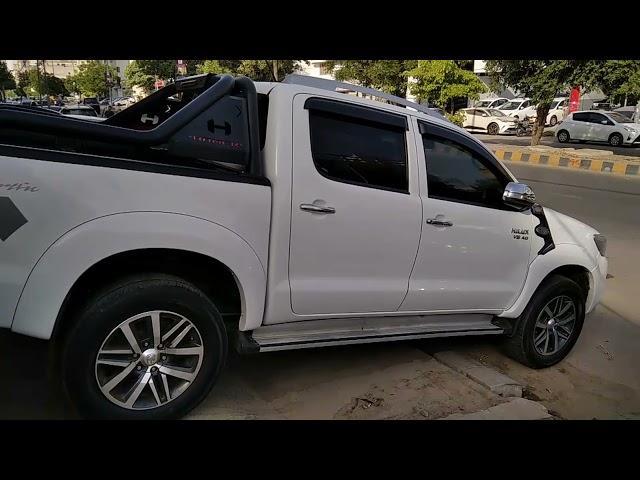 Toyota Hilux SR5(4x4) 2011 for Sale in Karachi