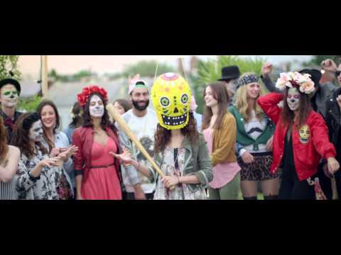 Les masques pour la personne avec leau oxygénée et lammoniaque