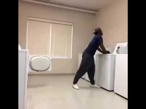 Chỉ là giặt đồ thôi mà phong cách vl....k tốn 7s của các bạn đâu nhé