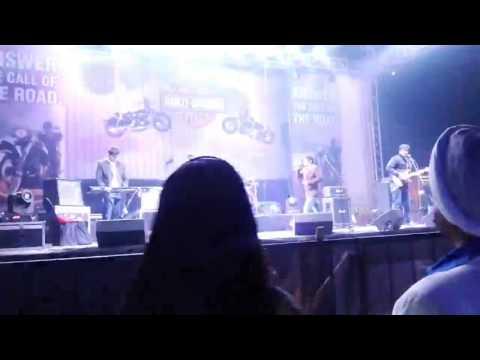 Oh humdum sunio re live by Madhur