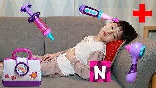 뉴욕이가 아파요! 젤리 세상에서 맥스터핀스 병원놀이 장난감 가져오기 Doc Mcstuffins Boo Boo Story Song