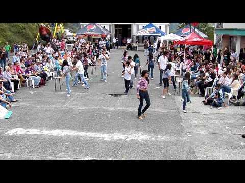 Comparsa grados Séptimo Fiestas Gemellistas 2012