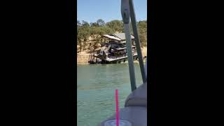 Houseboat Sinks Slowly In Lake And Flips Over - 1065093