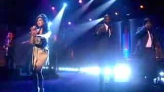 Amy Winehouse - Tears Dry On Their Own (Live)