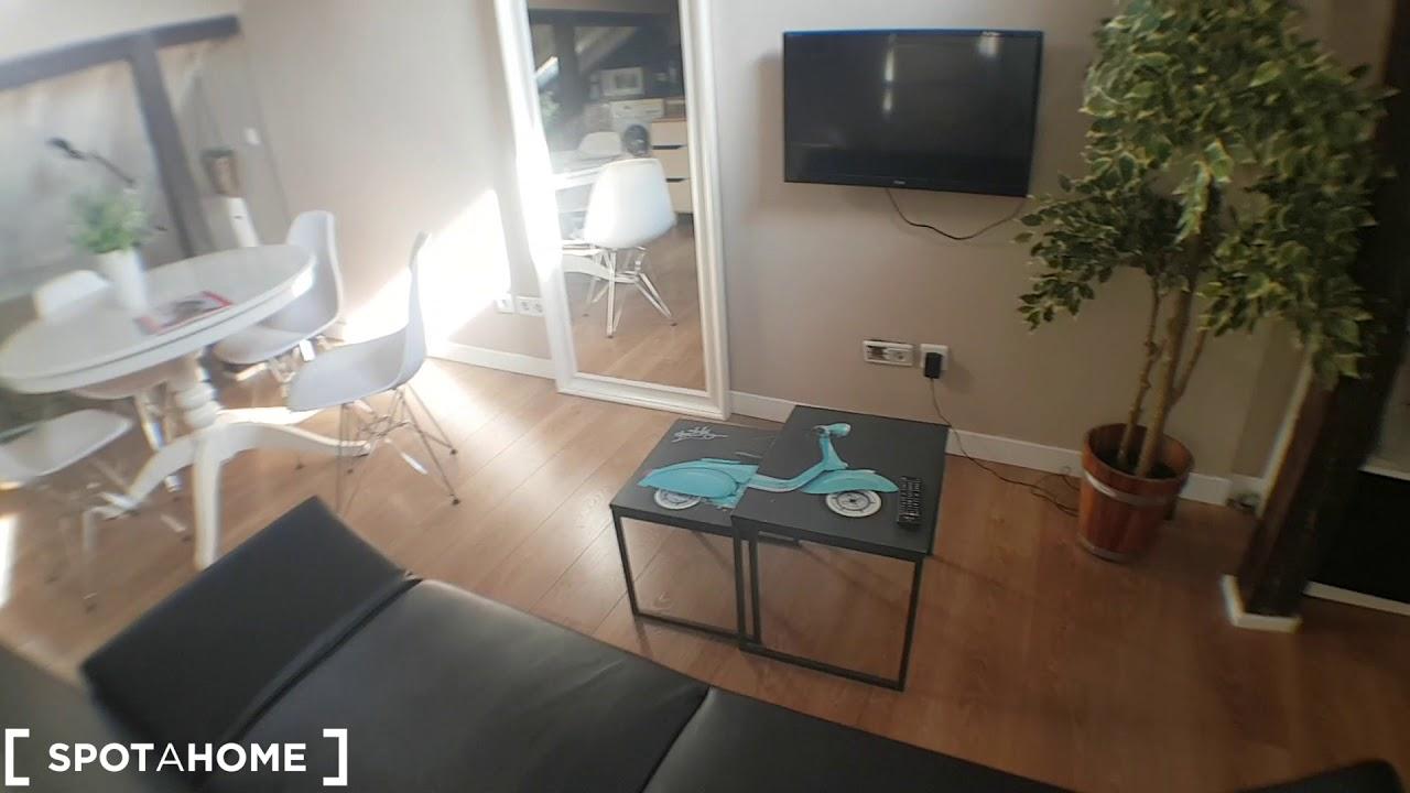 Stylish studio apartment for rent in Malasaña