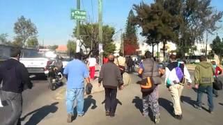 preview picture of video 'Desorden Vial Ermita Iztapalapa 10/02/2014'