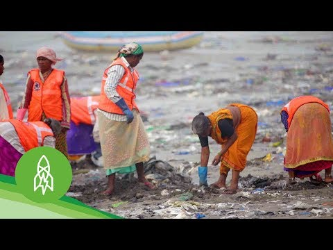 The Man Clearing 9,000 Tons of Trash From Mumbai's Beaches